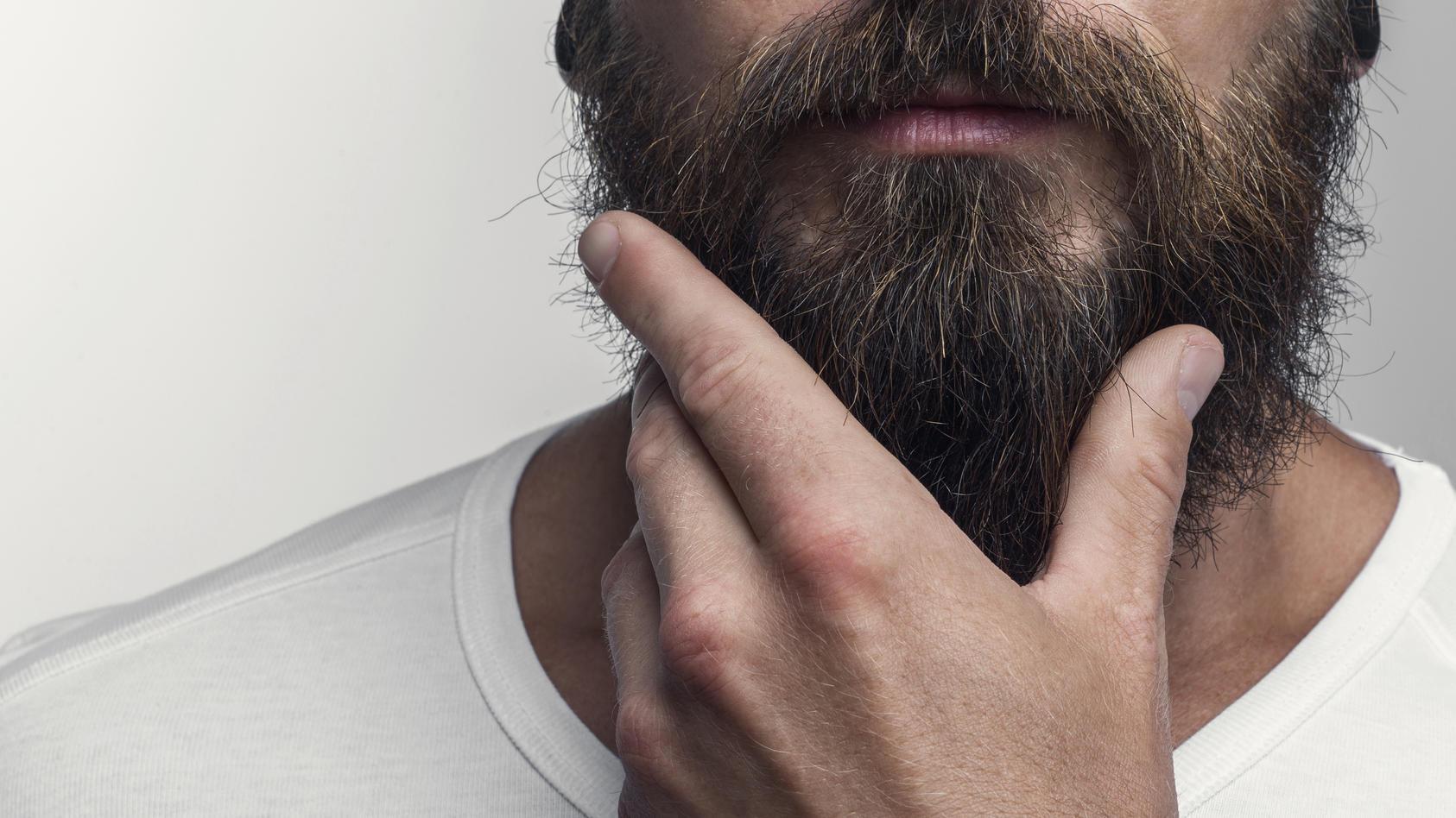 Studie: Manche Männer haben Kot im Bart