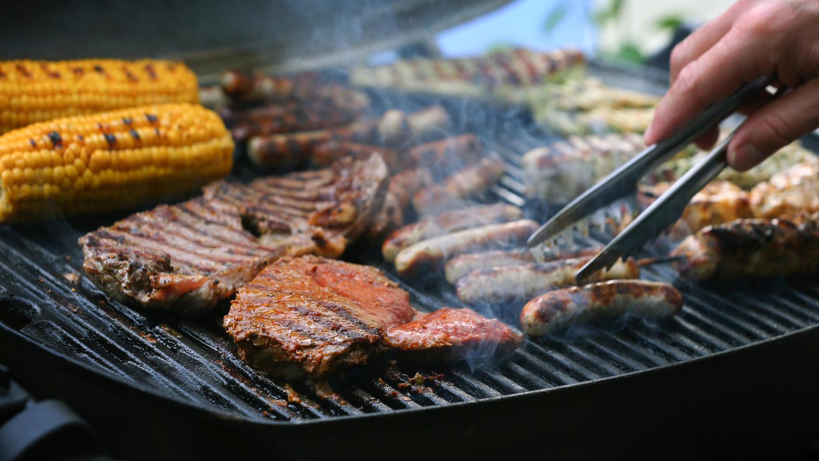 Mit einem Elektrogrill ist das ganze Jahr Grillsaison.