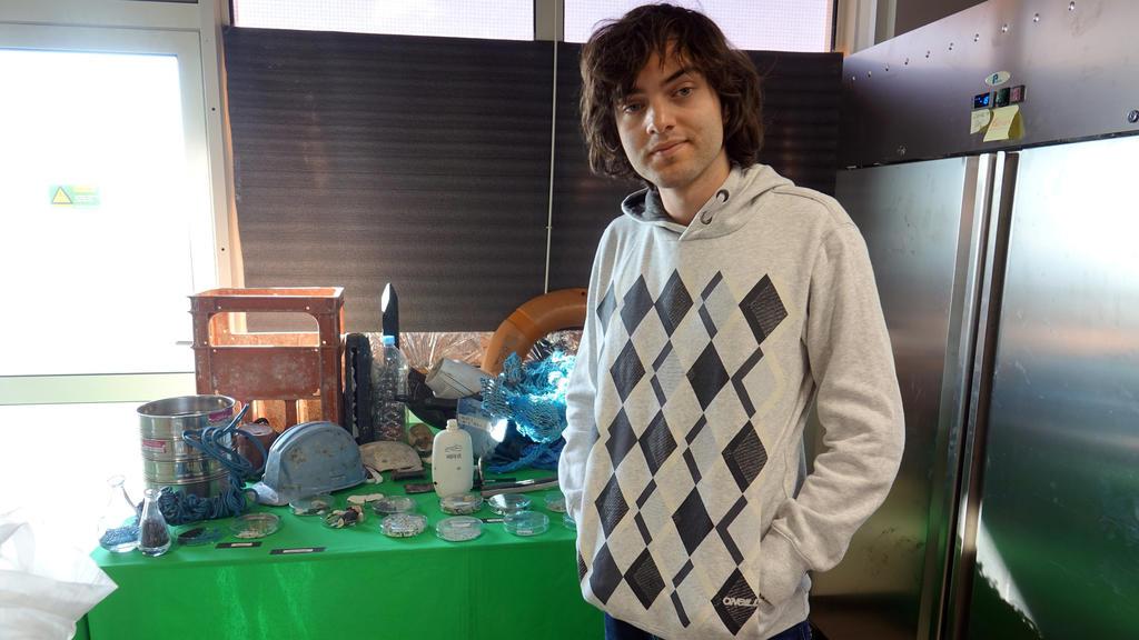 ARCHIV - 07.11.2017, Niederlande, Delft: Der junge Niederländer Boyan Slat, Gründer der Initiative «Ocean Cleanup», aufgenommen in der Zentrale von Ocean Cleanup. (zu dpa ««The Ocean Cleanup»: Countdown für Müllsammelaktion auf dem Meer» vom 02.09.20