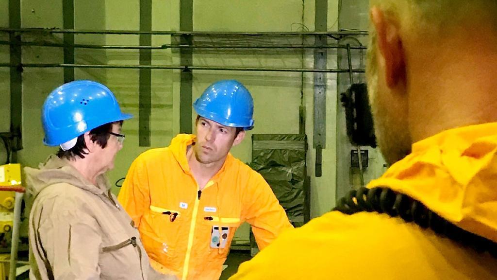 RTL-Nachtjournal-Moderator Maik Meuser in einem Atomkraftwerk