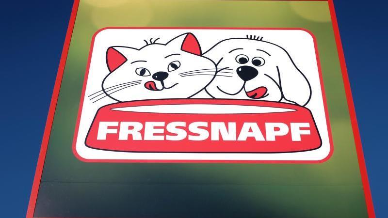 Die zurückgerufenen Hundesnacks wurden beim Tiernahrungshändler Fressnapf verkauft.