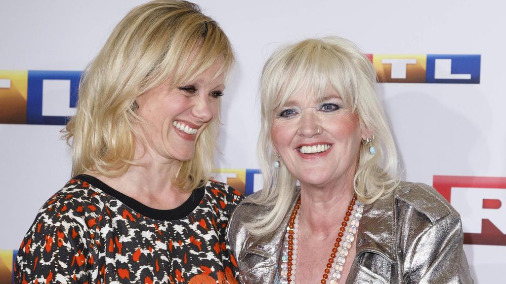 Anna Schudt und Gaby Köster bei der Premiere des RTL Fernsehfilms 'Ein Schnupfen hätte auch gereicht' in der Astor Film Lounge im Residenz Kino. Köln, 11.04.2017