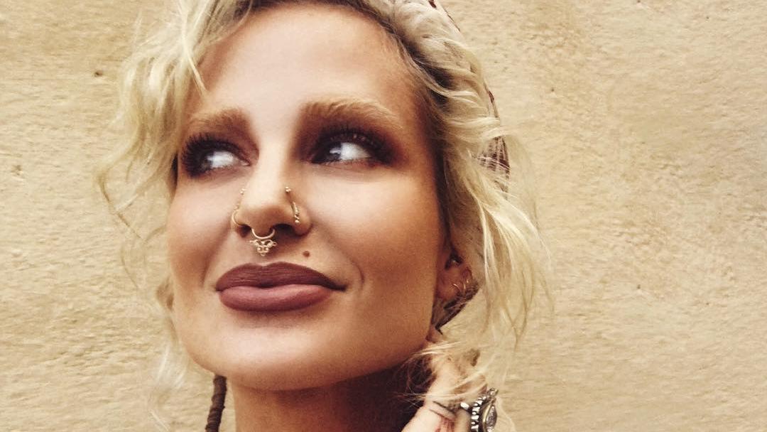 Maxinne Björk kommt ursprünglich aus Schweden und lebt mittlerweile auf Bali.