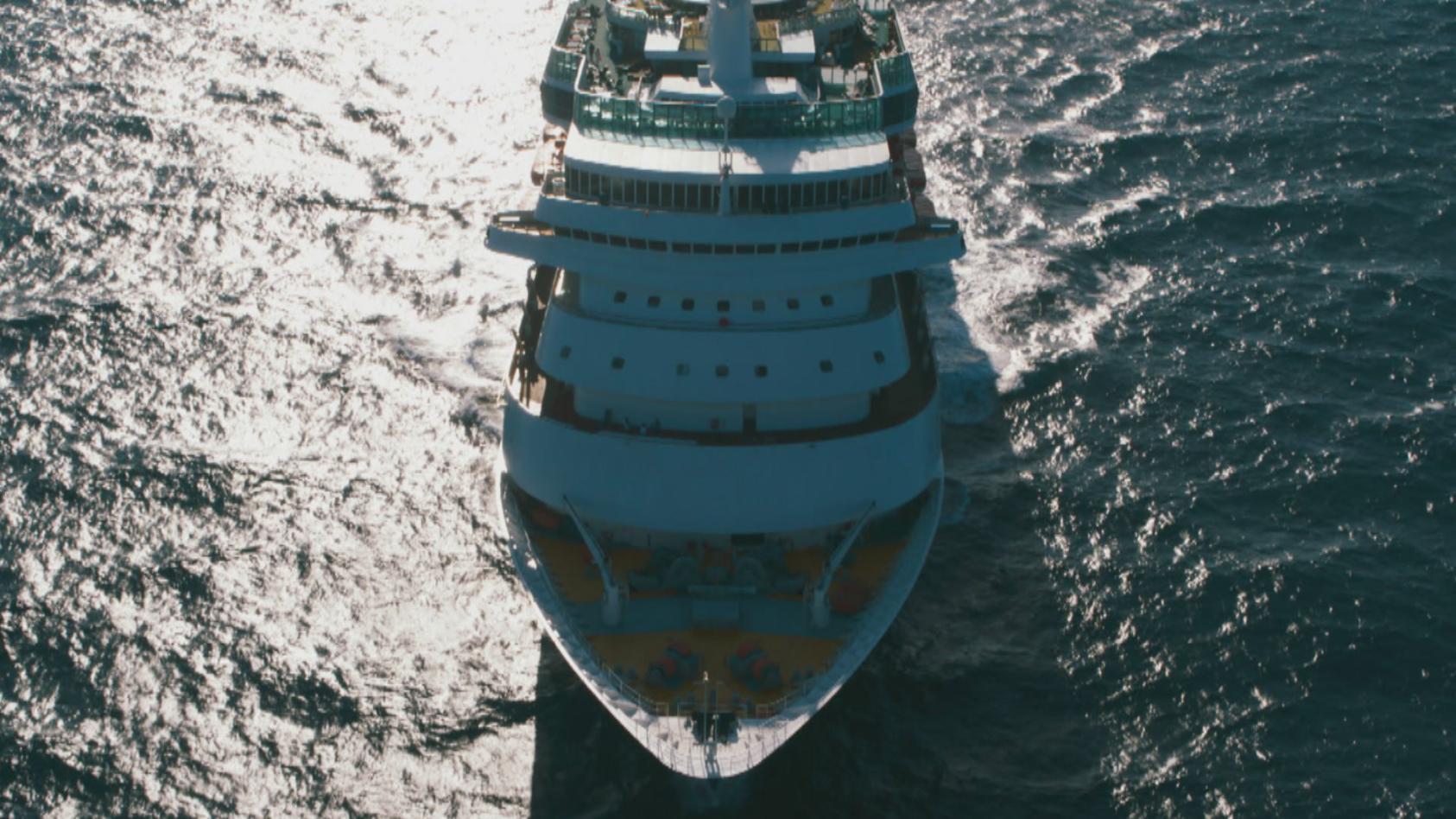 ein-kreuzfahrtschiff-ist-wie-eine-abgeschottete-kleinstadt-und-daher-auch-ideal-fur-verbrechen
