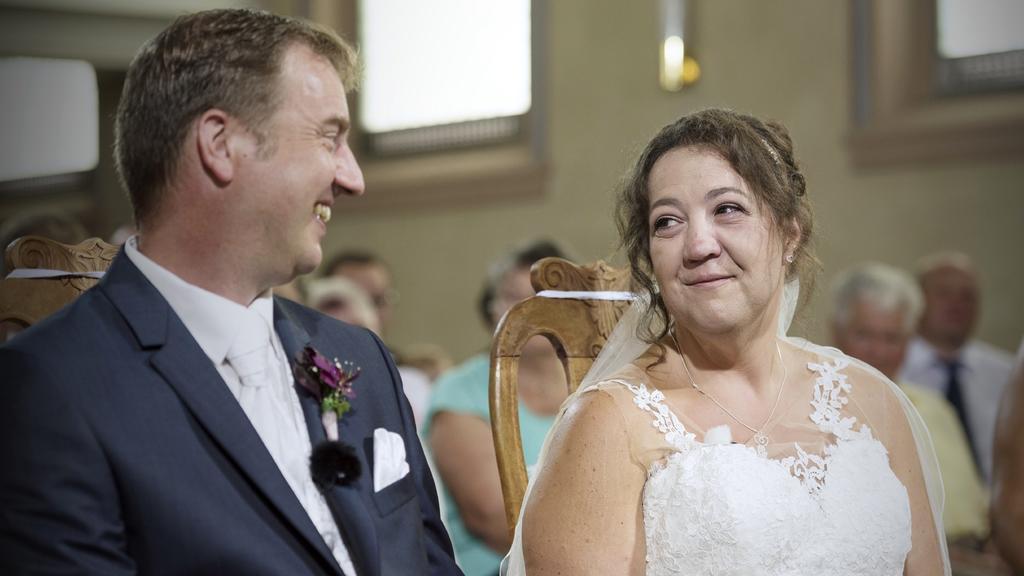 Bauer Sucht Frau 2018 Bei Bennys Und Nadines Hochzeit Fliessen Jede Menge Freudentranen