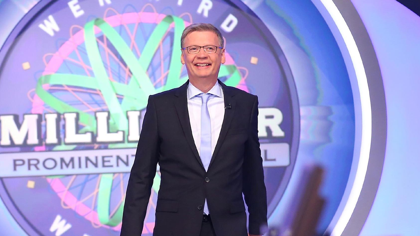 """Setzen Sie sich selbst auf den virtuellen Stuhl gegenüber von Moderator Günther Jauch - mit unseren """"Wer wird Millionär?""""-Spielen auf RTLspiele.de."""