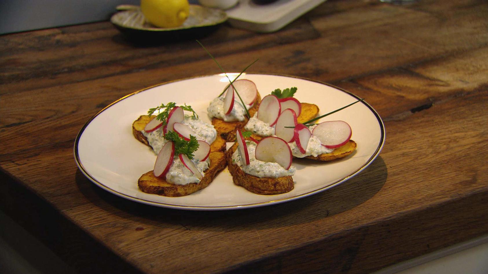 Einfach lecker für Familie und Freunde: Ofenkartoffeln mit Gemüsequark!