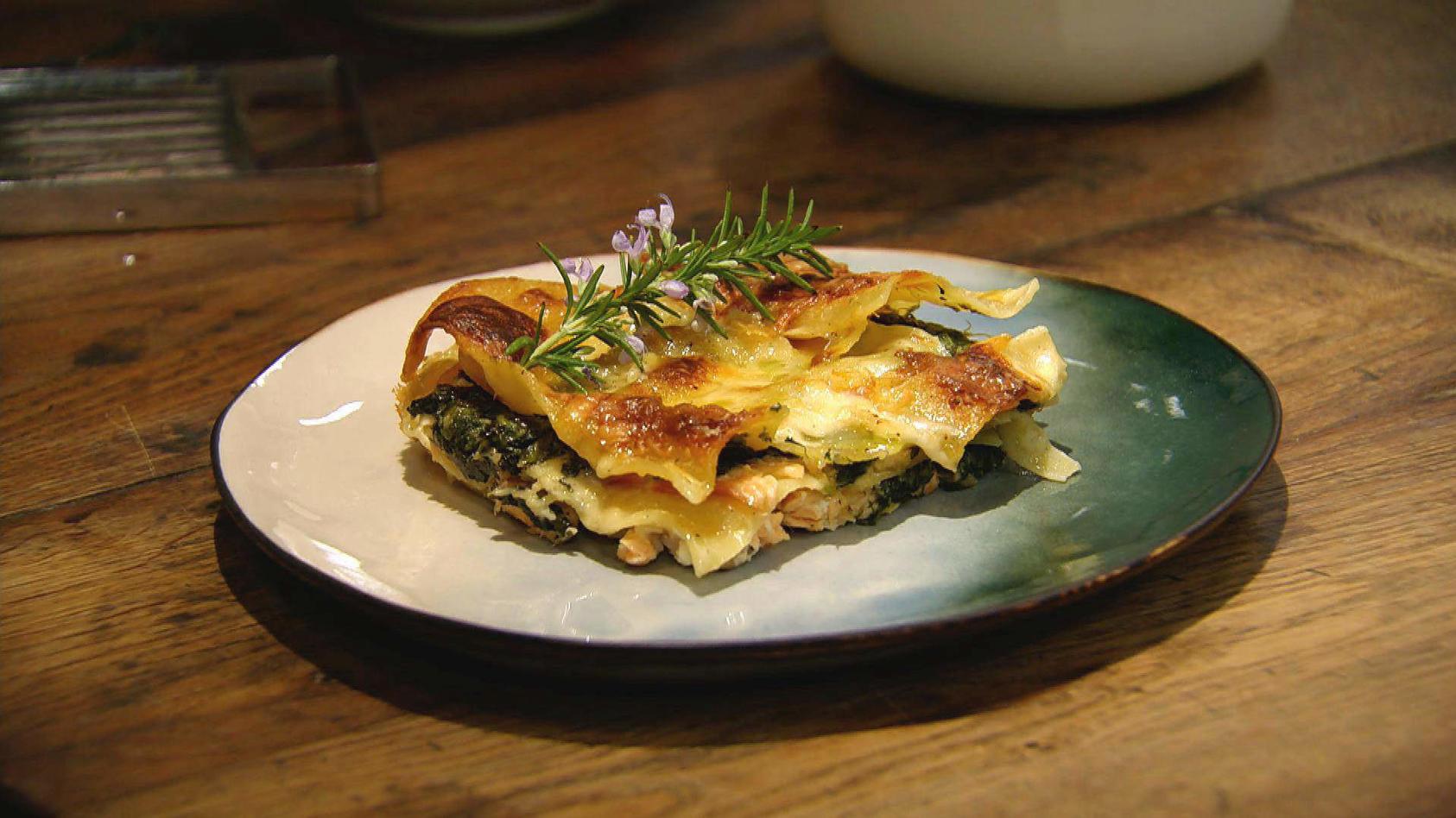 Gut geschichtet, auf nichts verzichtet: Lachs-Spinat-Lasagne
