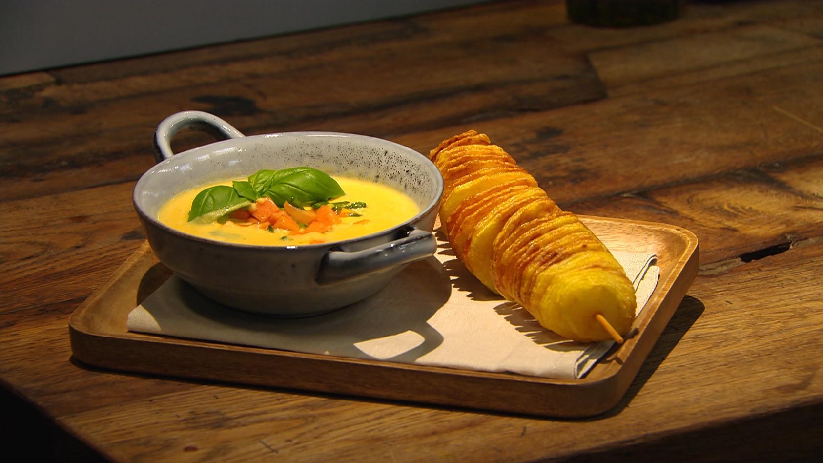 Alles Tolle von der Knolle: Süßkartoffel-Kokossuppe