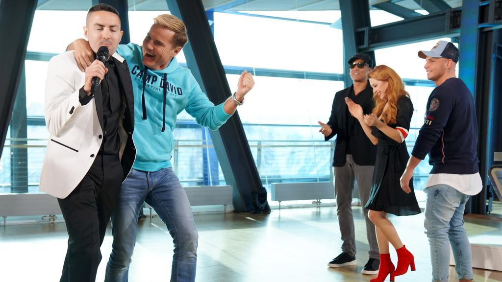 DSDS 2019: Chefjuror Dieter Bohlen tanzt Menderes beim Recall in Ischgl