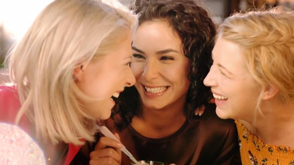 GZSZ: Valentina Pahde, Gamze Senol und Iris Mareike Steen