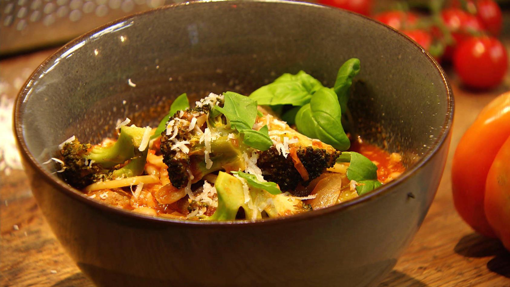 Einfach Tomatastisch!: Minestrone mit Fleischbällchen