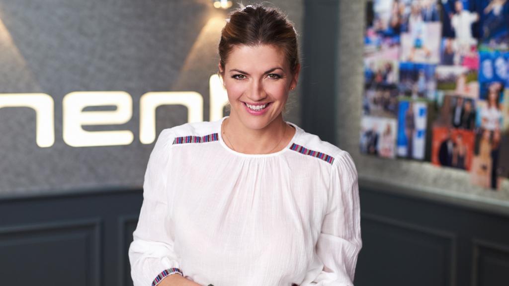 Nina Bott spielte bei GZSZ 8 Jahre lang die Rolle der Cora Hinze und ist mittlerweile stolze 4-fach-Mama.