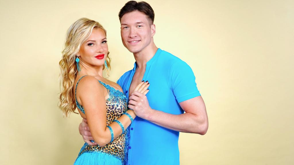 """Evelyn Burdecki tanzt mit Evgeny Vinokurov bei """"Let's Dance"""" 2019."""