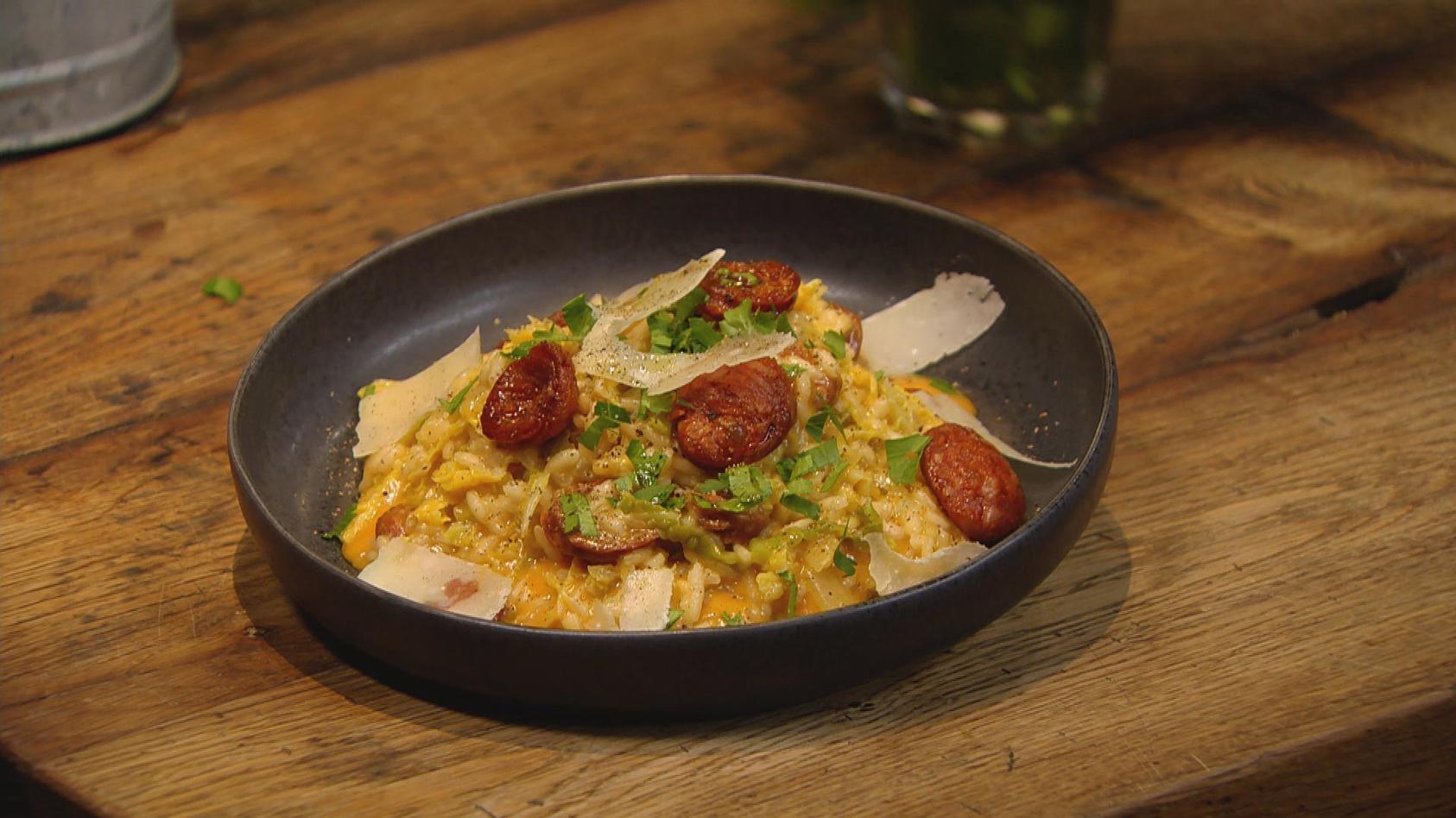 Kreative Küche – Clever kombiniert: Wirsing-Risotto mit Chorizo