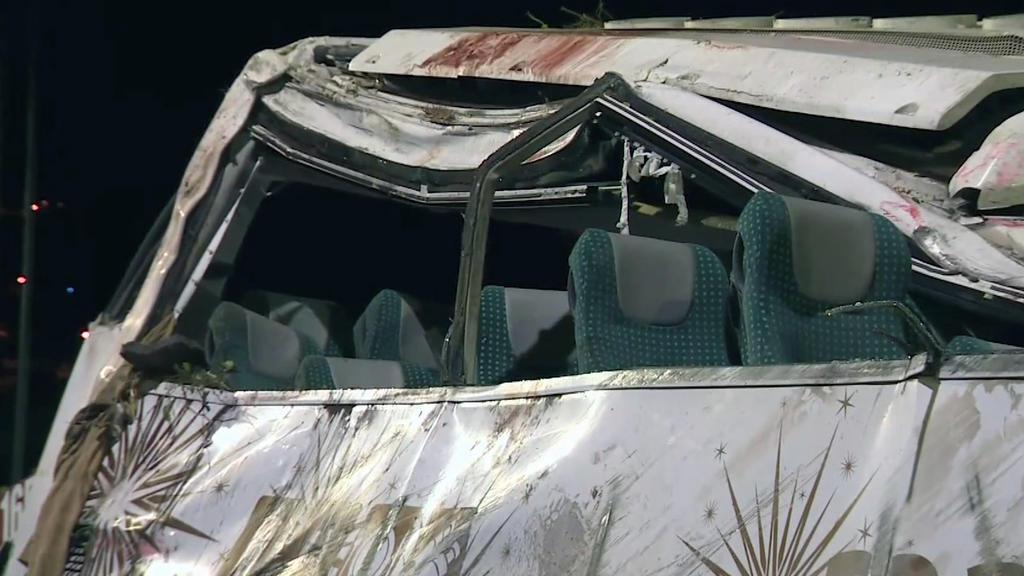 18.04.2019, Portugal, Funchal (Madeira): Die Innenausstattung eines Unglücksbusses ist zu sehen. Bei dem Busunglück am 17.04.2019 auf der portugiesischen Atlantikinsel Madeira sind 29 Menschen ums Leben gekommen. Unter den Opfern sind nach bisherigen