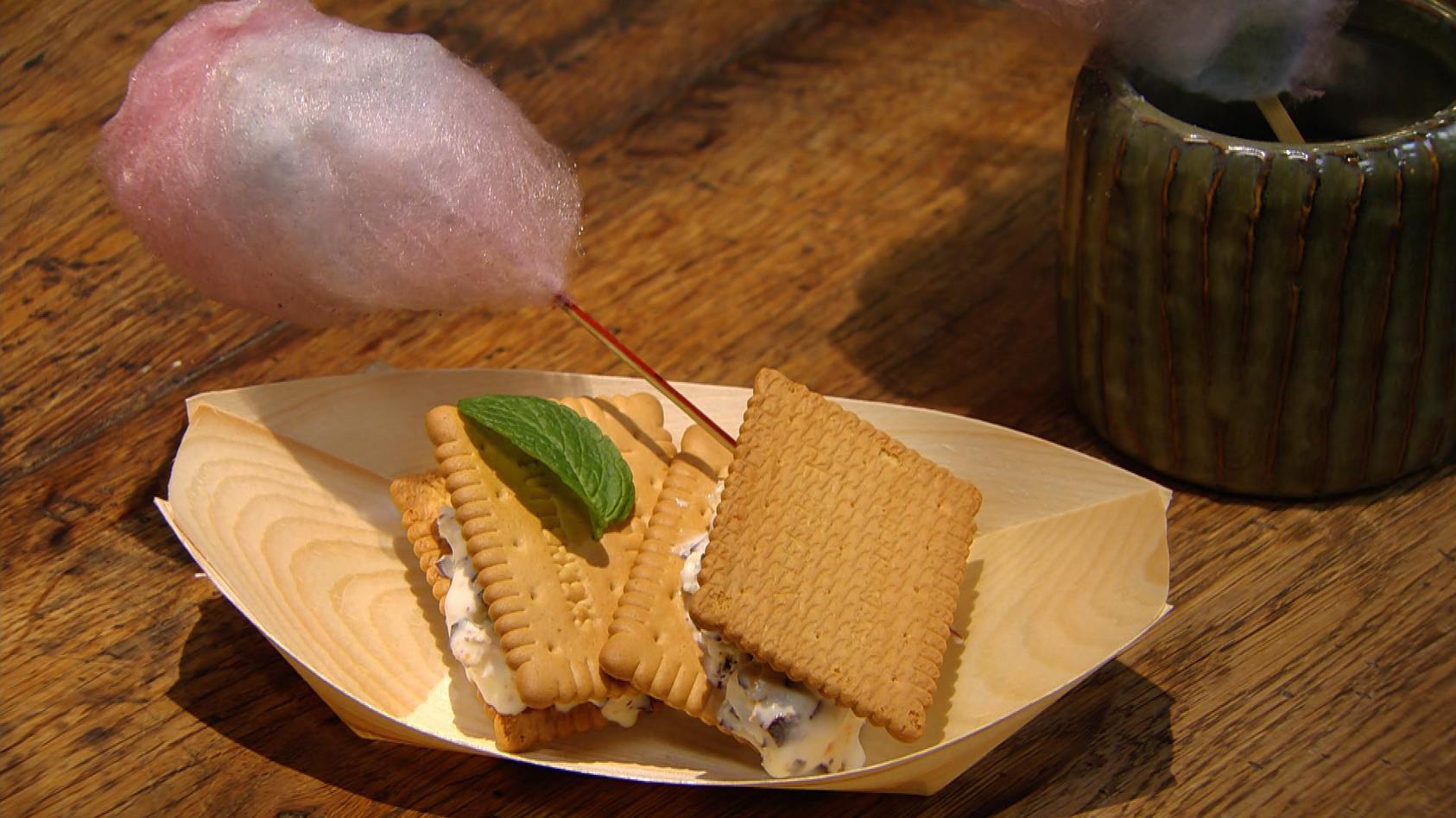 Streetfood – Zwischenstopp für gutes Essen; Schokokuss-Eis-Sandwich