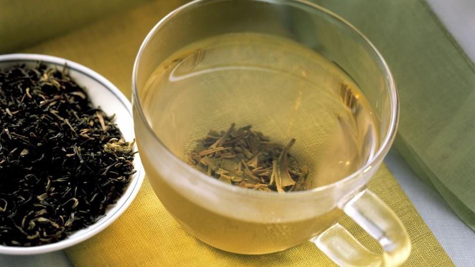 Grüner Darjeeling Tee in Glastasse &...