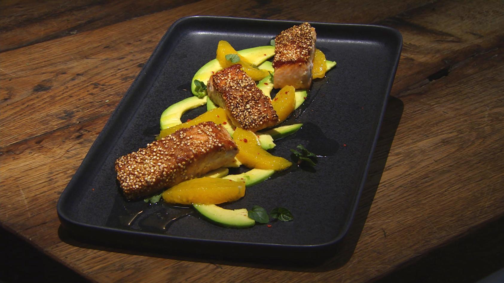 Würz Dir was! Gewürzreise für jeden Geschmack: Avocado-Orangen-Salat mit Lachs