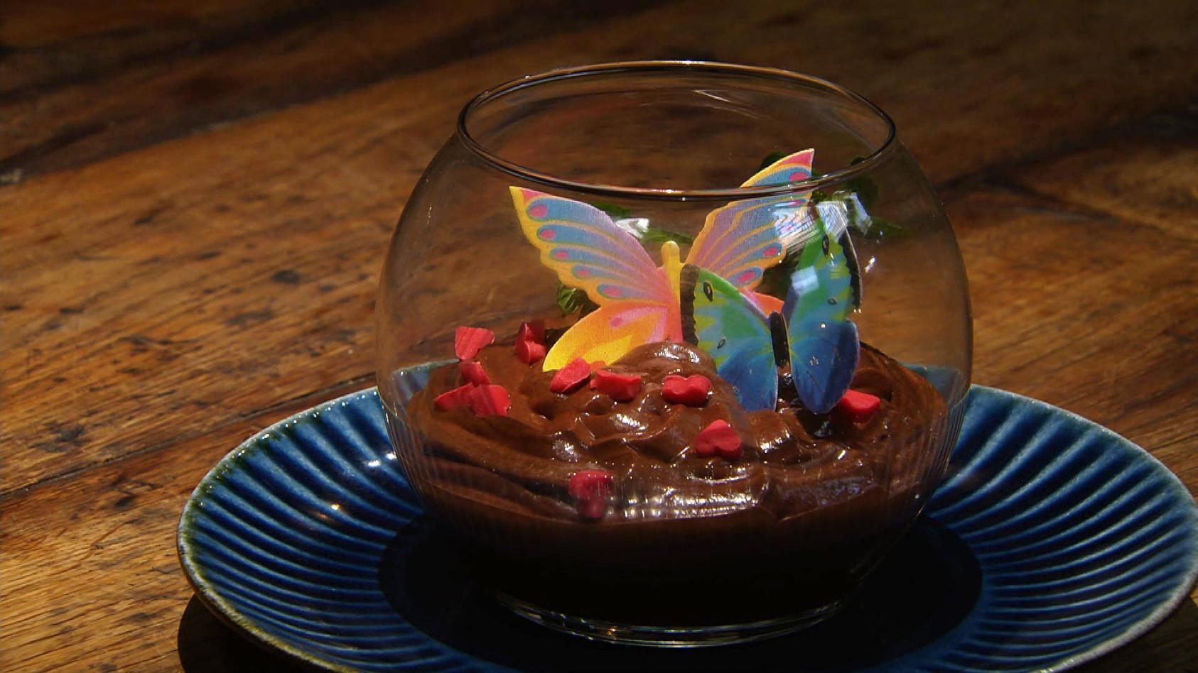 Romantisches Dinner – Liebe geht durch den Magen: Minz-Schokomousse