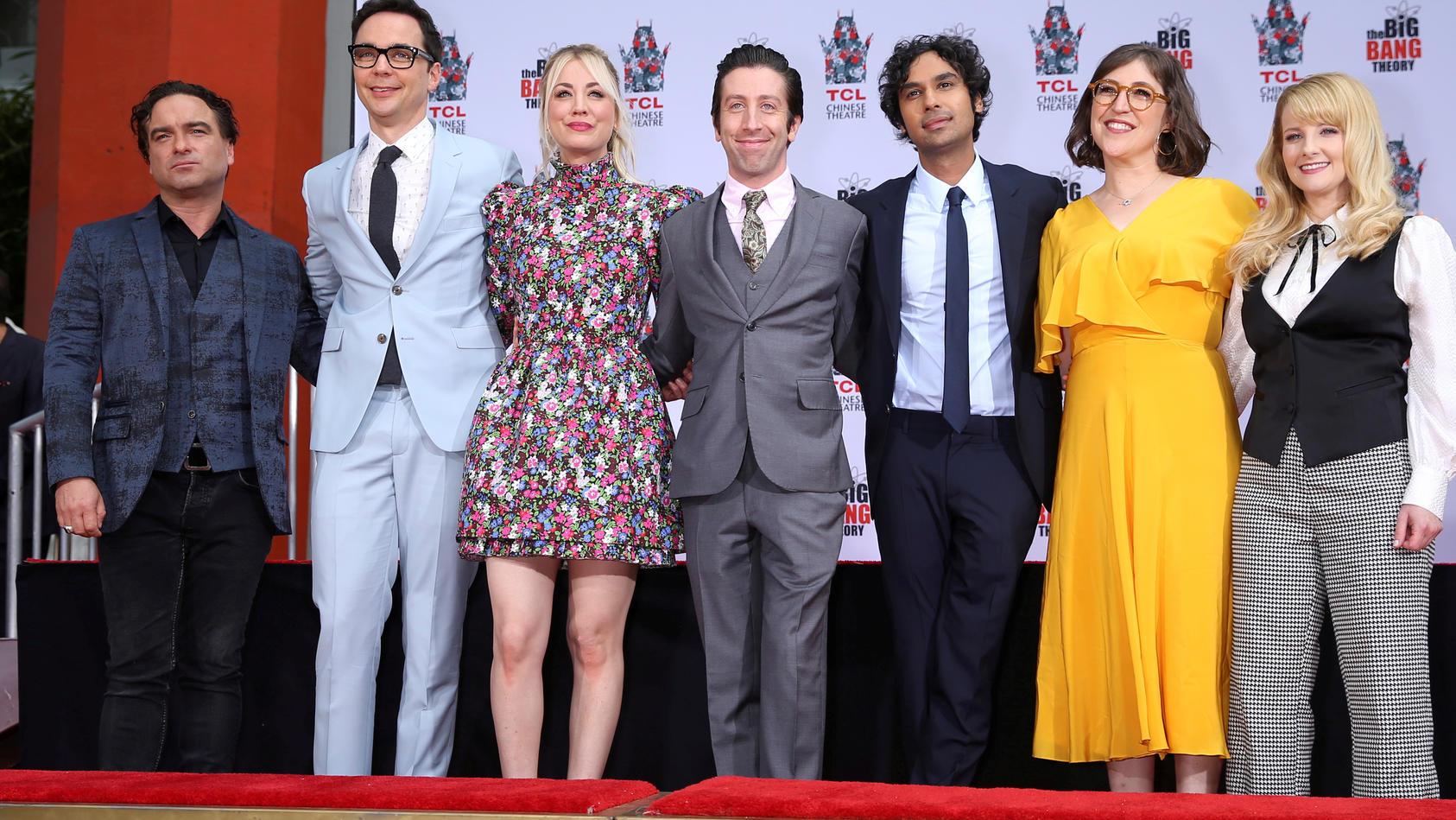 """""""The Big Bang Theory""""-Stars Johnny Galecki, Jim Parsons, Kaley Cuoco, Simon Helberg, Kunal Nayyar, Mayim Bialik and Melissa Rauch."""