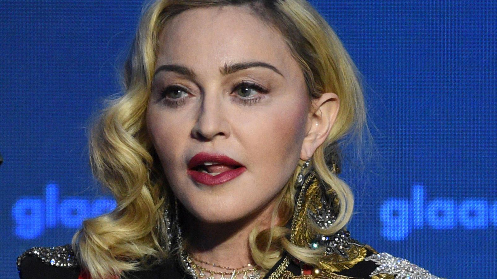 Sängerin Madonna sieht auf aktuellen Fotos sehr verändert aus.