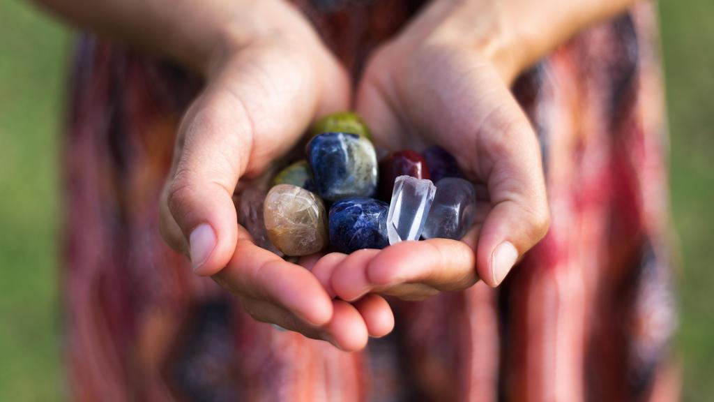 Eine Hand voll Edelsteine
