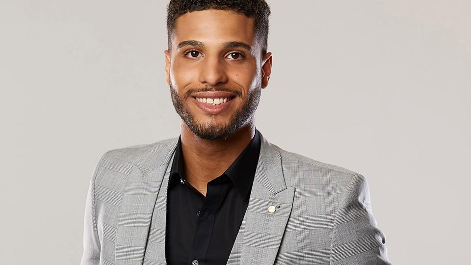 """David Taylor ist 24 Jahre alt und Kandidat bei """"Die Bachelorette 2019"""". Er ist eher der zurückhaltende Typ."""
