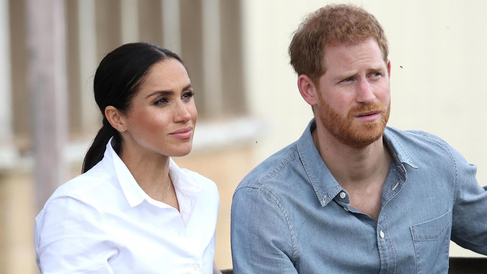 Herzogin Meghan und Prinz Harry - sie sind bekannt dafür, neue Wege in Sachen Monarchie zu gehen.  Prinz Harry soll bei dem ganzen Spiel allerdings die Fäden in der Hand haben.