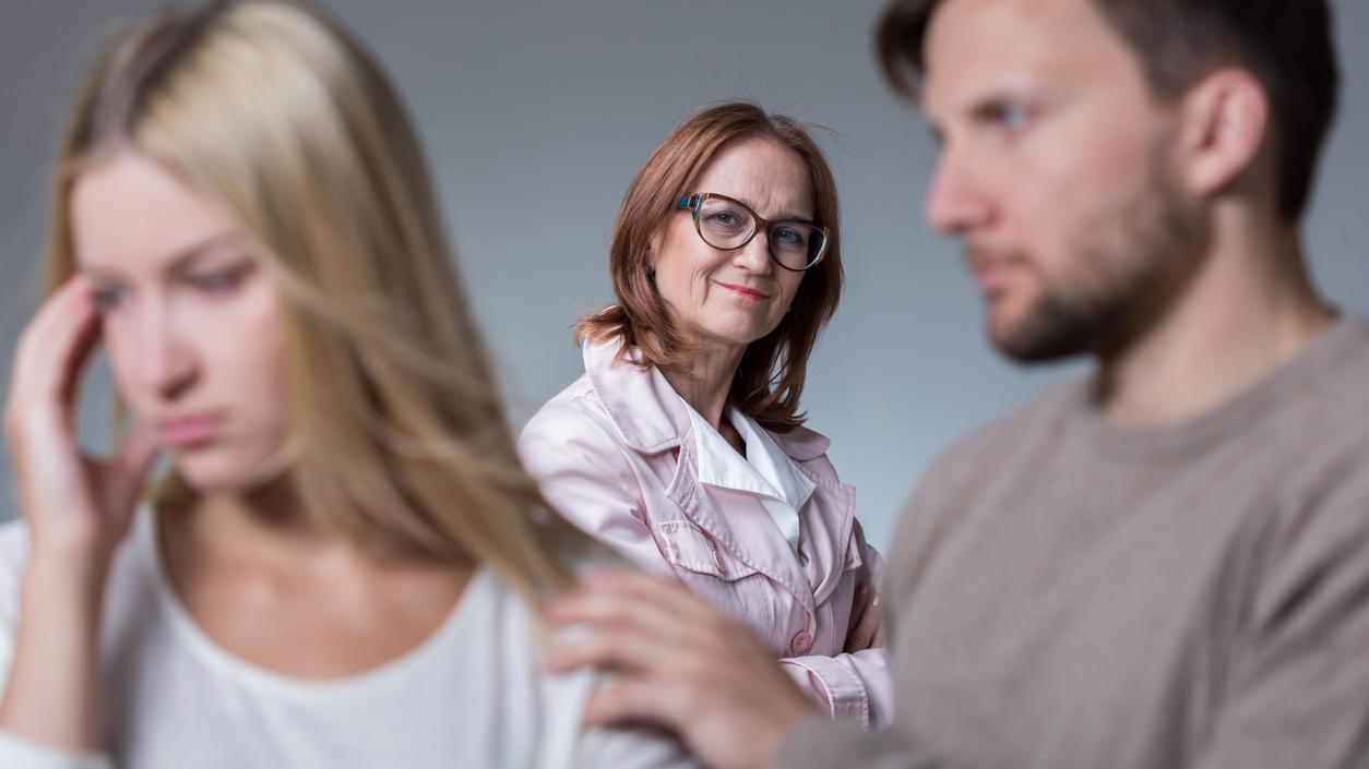 Konflikte mit der Schwiegermutter können belastend für die Beziehung sein.
