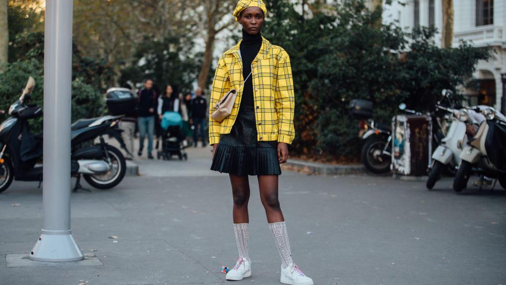 Knielange Strümpfe sind Trend und werden dieses Jahr auch von erwachsenen Frauen getragen.