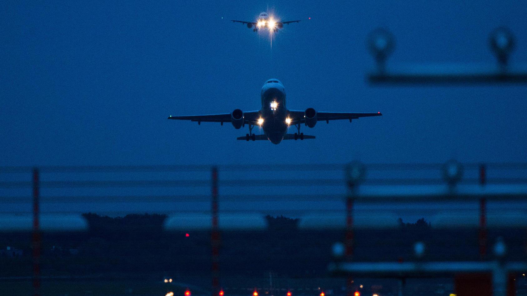 Bundesumweltministerin Svenja Schulze will das Fliegen teurer machen.