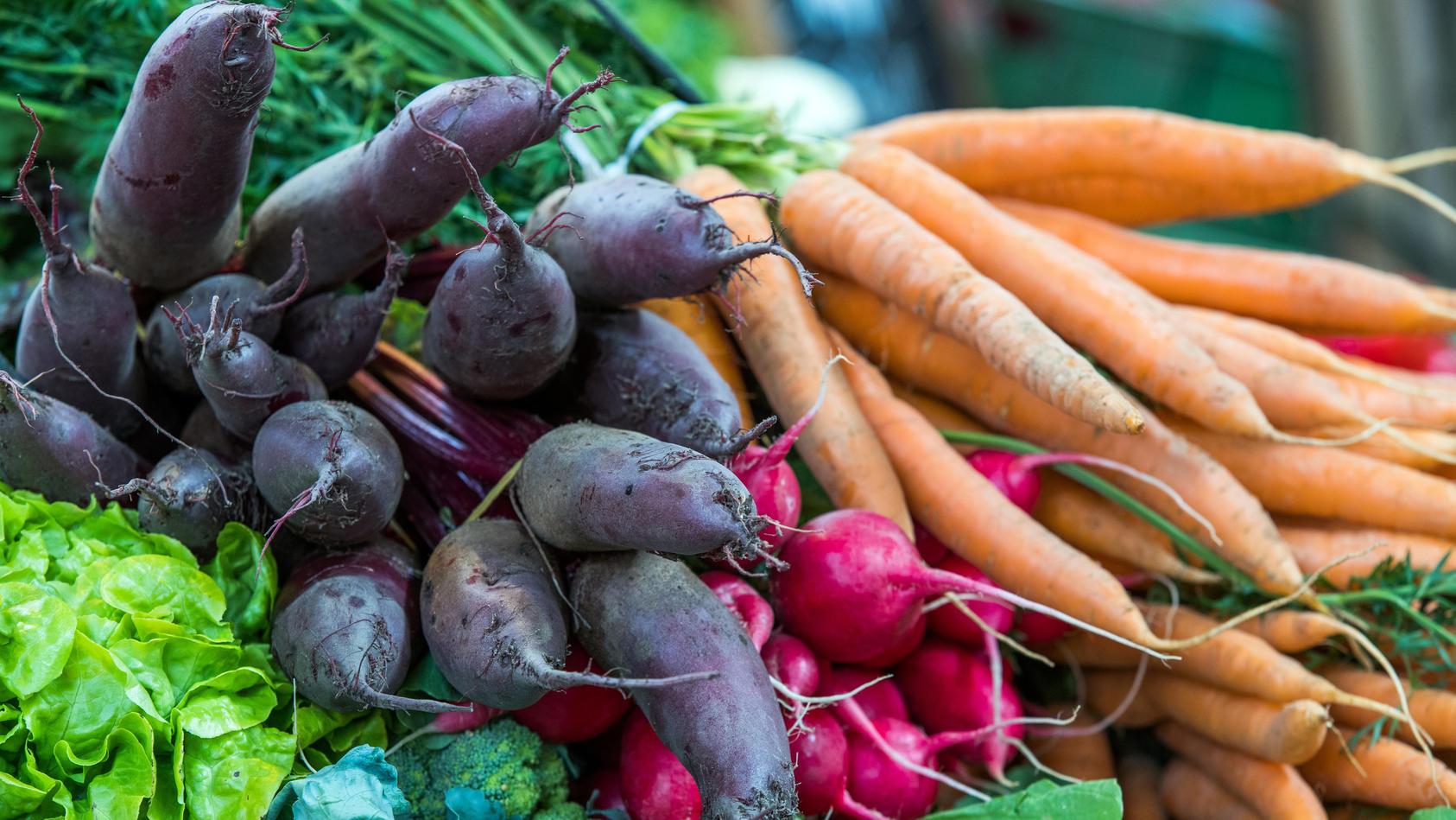 Frisches Gemüse ist gut für die Leber.
