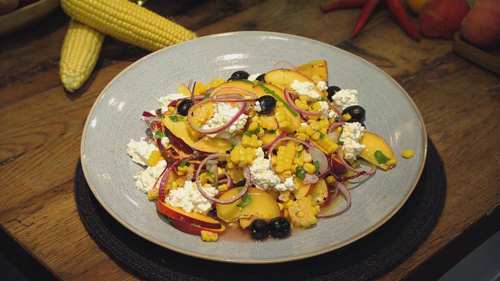 Eine Extraportion Sonne bitte – Gerichte mit Pfirsich, Aprikose und Nektarine: Nektarinen-Mais-Salat