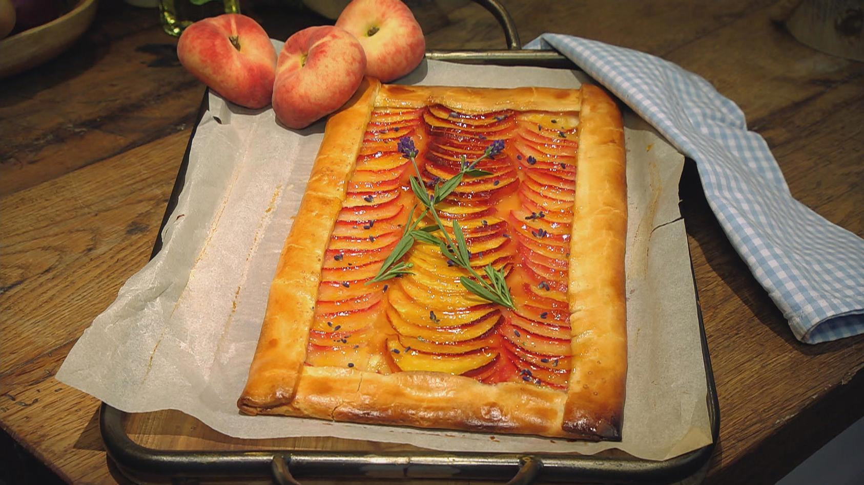 Eine Extraportion Sonne bitte – Gerichte mit Pfirsich, Aprikose und Nektarine: Pfirsich-Tarte