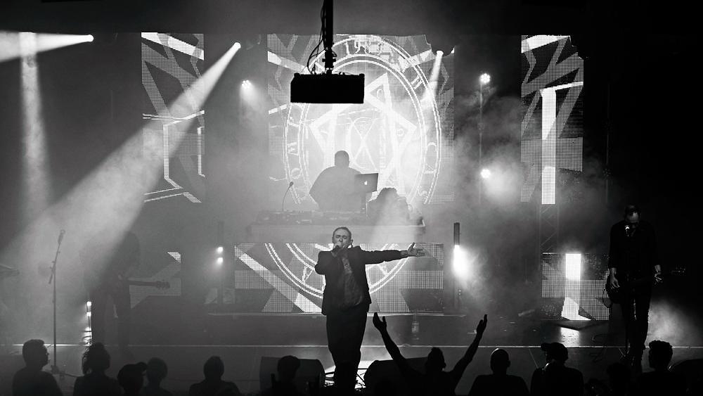 Rodney Orpheus zieht live die Fans in seinen Bann
