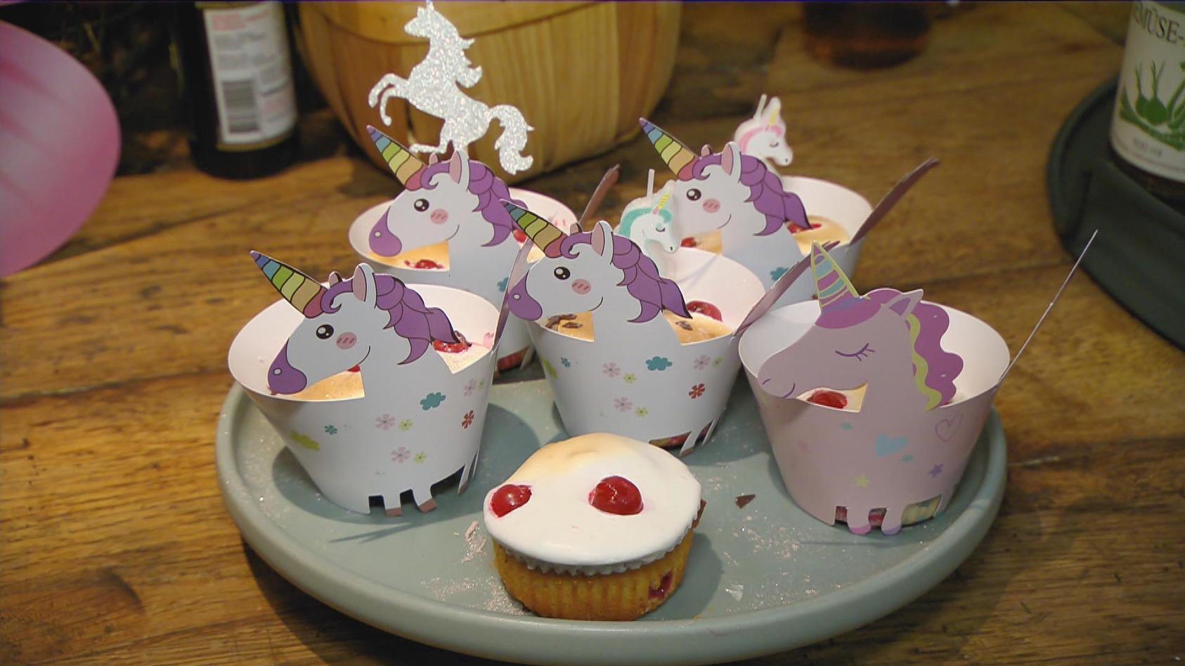 Mädelsabend – Girls just wanna have fun: Johannisbeer-Baiser-Muffins