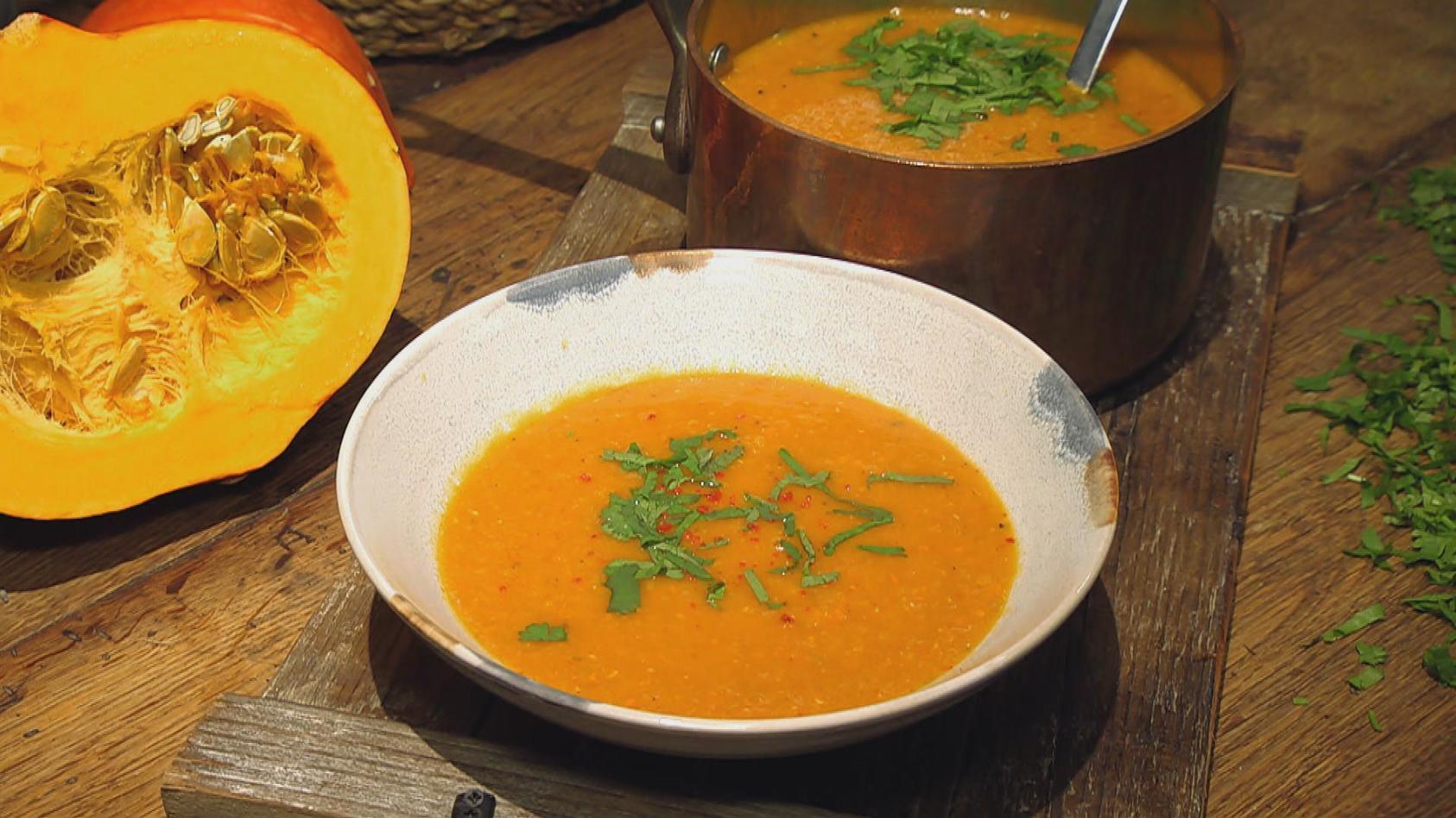Traumpaare im Kochtopf – Geschmackskombinationen, die zusammenpassen: Kürbis-Mango-Linsensuppe