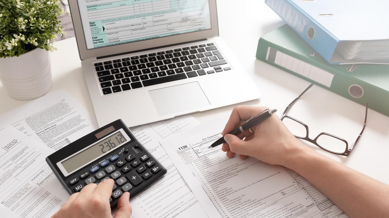 Ohne Rechnerei geht's bei der Steuererklärung nicht. Damit es aber keine bösen Überraschungen gibt, sollte man sich über ein paar Regeln schlau machen.