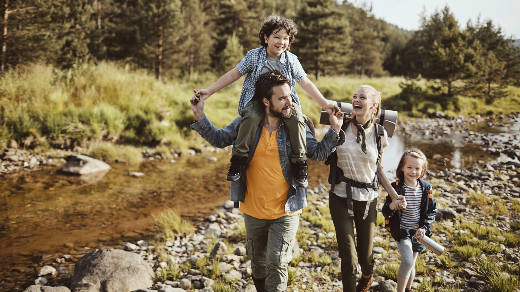 Mit bequemen und sicheren Schuhen macht Wandern richtig Spaß