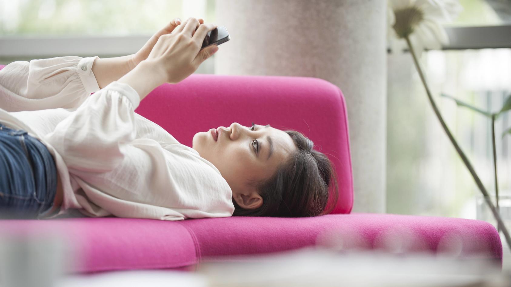 Große Liebe oder nur enttäuschte Erwartungen: So berichten User von ihren Erfahrungen mit Online-Dating-Apps.