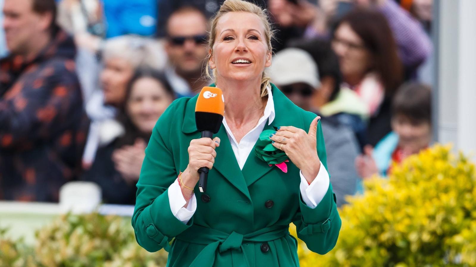 """Wenig hat gestandene  ZDF-Fernsehgarten-Moderatorin Andrea """"Kiwi"""" Kiewel so aus der Fassung gebracht, wie der Skandalauftritt von Luke Mockrigde 2019."""