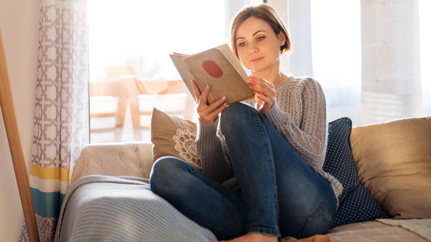 Ab aufs Sofa, Buch raus und entspannen! Besser geht es nicht, oder?