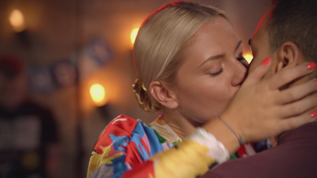 GZSZ Sunny küsst Nihat