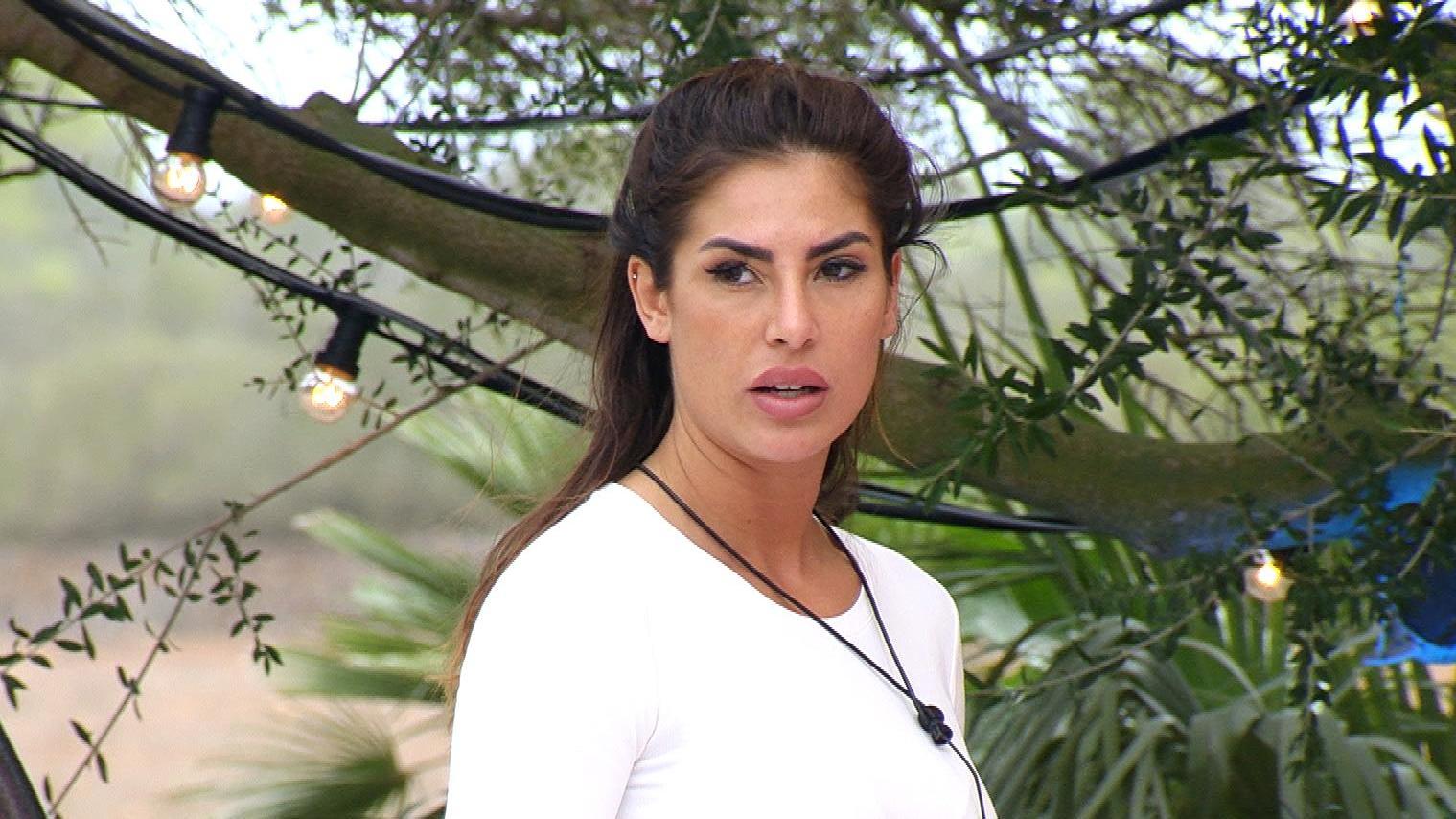"""Ricarda hat die """"Love Island""""-Villa nach der Trennung von Mischa freiwillig verlassen."""
