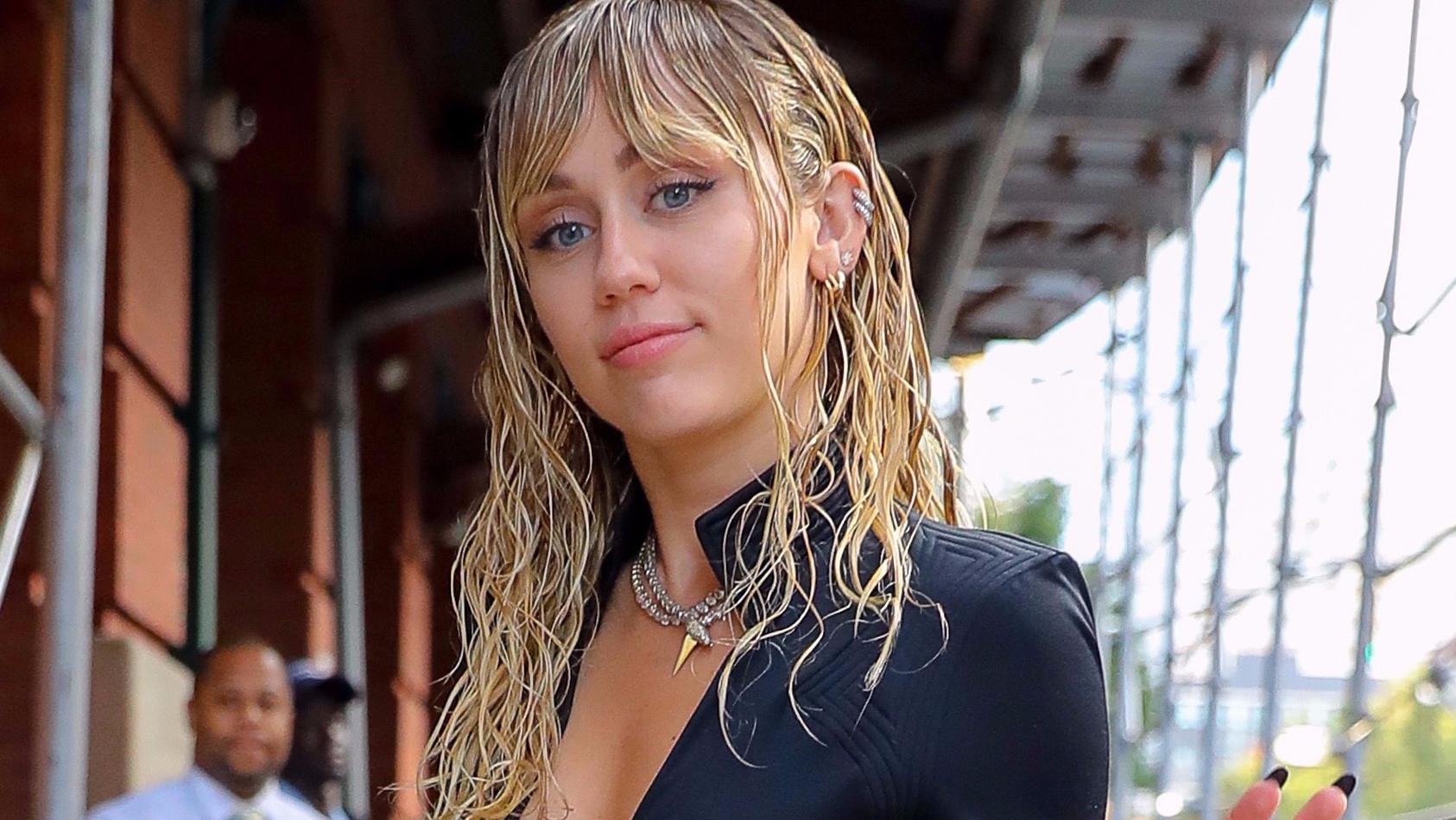 Miley Cyrus zeigt mal wieder nackte Tatsachen.
