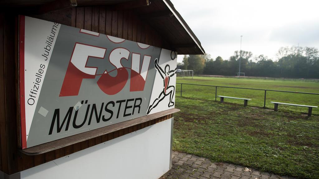 Bei einem Spiel des FSV Münster schlug ein Spieler den Schiedsrichter zu Boden