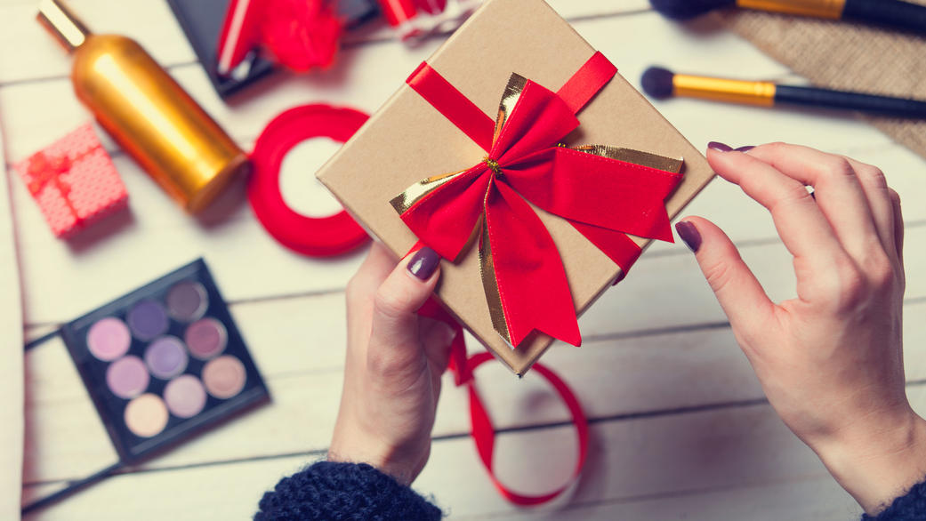 Ein Adventskalender voller Make up ist ideal für Frauen, die Kosmetik lieben