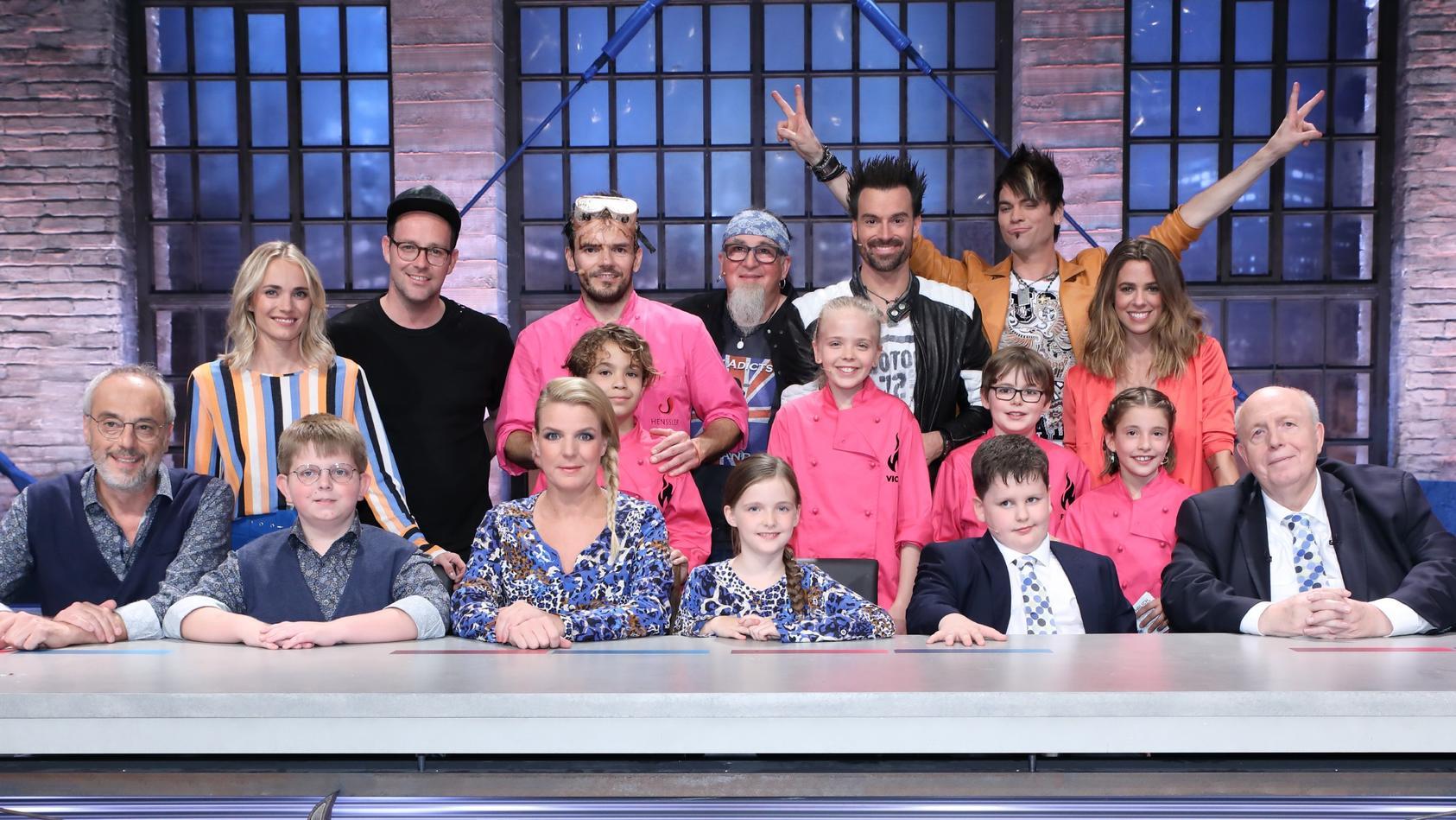 """Im """"Grill den Henssler Kids-Special"""" kocht Steffen Henssler mit Kindern gegen die Promis und auch die Jury bekommt kleine Verstärkung."""