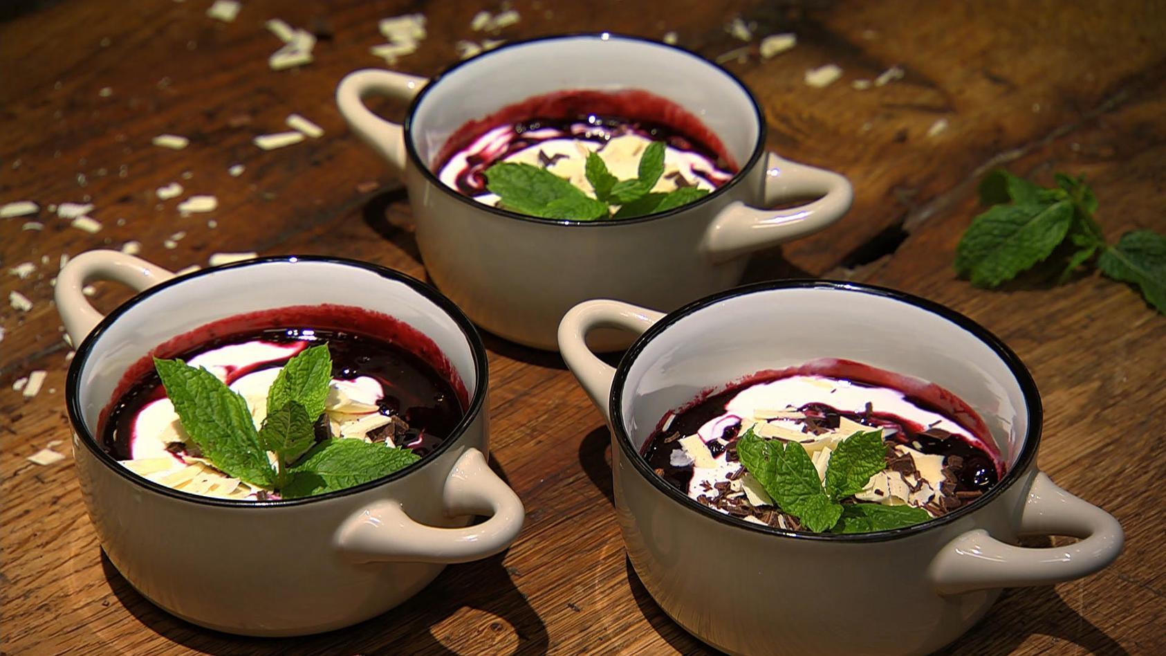 Grüne Kräuterküche: Heidelbeer-Rosmarin-Joghurt